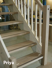 Priya Staircase - Oak Treads and Glass risers