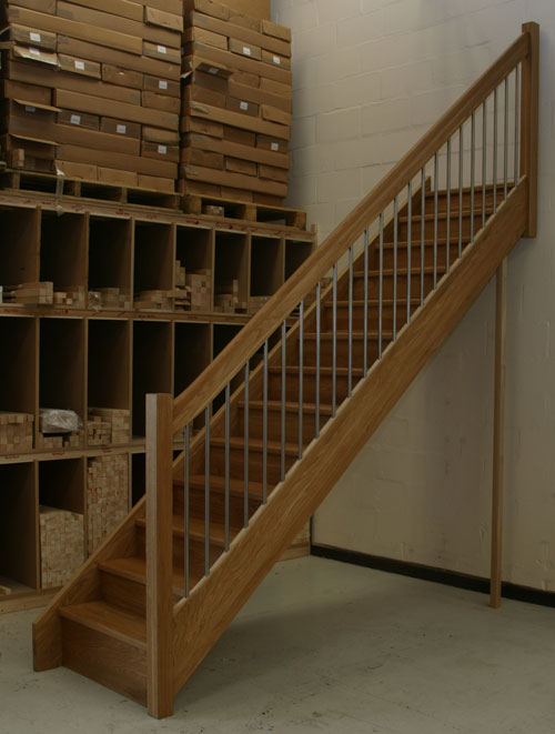 Oak Straight staircase with the European style handrail